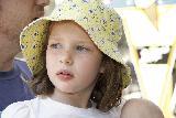 Immagine adorabile Adorabile bambina con broncio dolcissimo